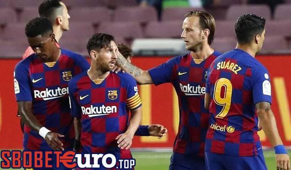 Barcelona Ngebet Datangkan Bek Sayap Juventus