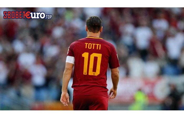 Dua Penyesalan Terbesar Francesco Totti dalam Kariernya